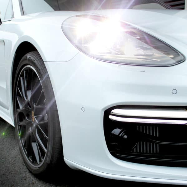 Huawei Mate RS und Porsche Panamera ausleihen