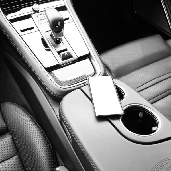 Huawei Mate RS und Porsche Panamera leihen
